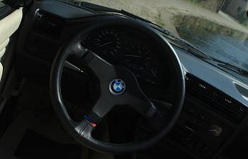 BMW 325i (19).JPG