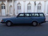 Volvo 245.jpg